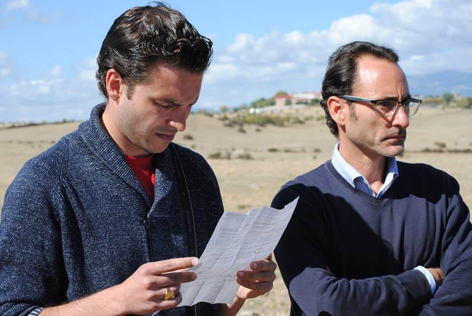 Andrés Acevedo (Productor Ejecutivo) y Javier de la Morena (Director de arte) durante un momento del rodaje